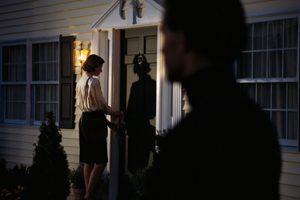 Morbose attenzioni di un vicino di casa: un caso di stalking
