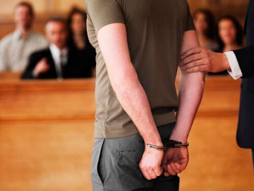 Distinzione tra indagato e imputato