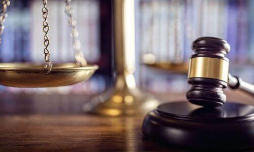 Reazione legittima agli atti arbitrari di un pubblico ufficiale (o incaricato di un pubblico servizio)